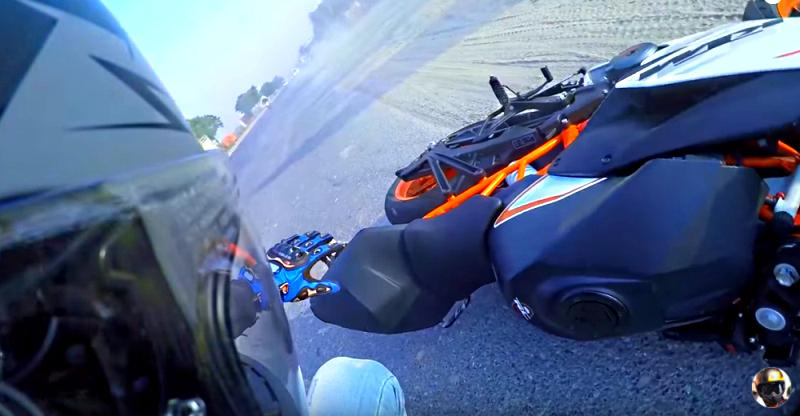 High-speed KTM RC390 motorcycle crash shows why wrong side overtaking is so dangerous [Video]