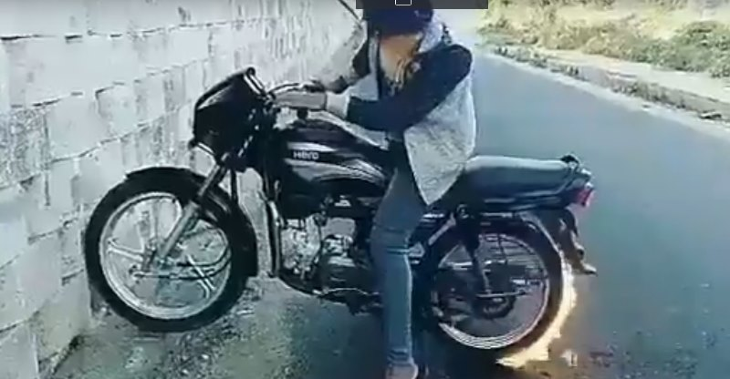 Forget burnouts, this Hero Splendor literally BURNS tyres