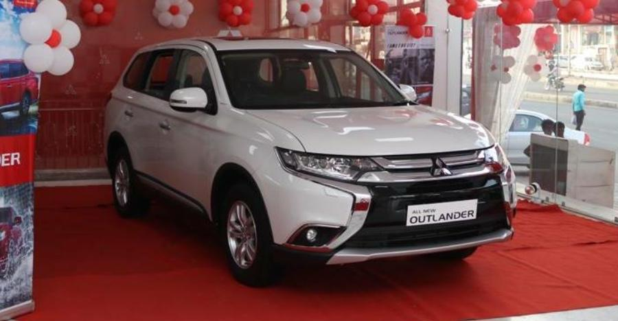 Mitsubishi Outlander SUV starts arriving at dealerships ahead of India launch