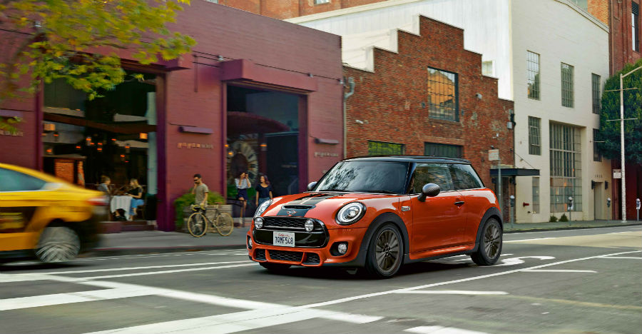 Sporty, 2018 Mini Cooper luxury hatchbacks launched in India with facelifts