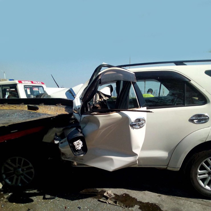 toyota fortuner accident images