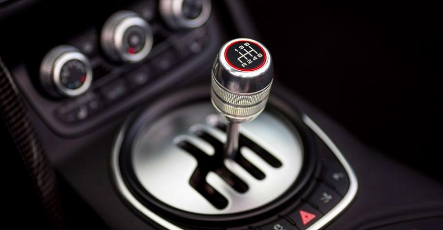 What Is A Clutch In A Car >> 5 Things You Must Never Do While Driving A Manual Gearbox