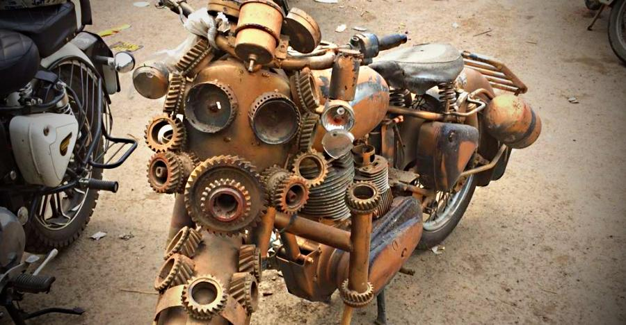 This modified Royal Enfield is the CRAZIEST we've ever seen in India