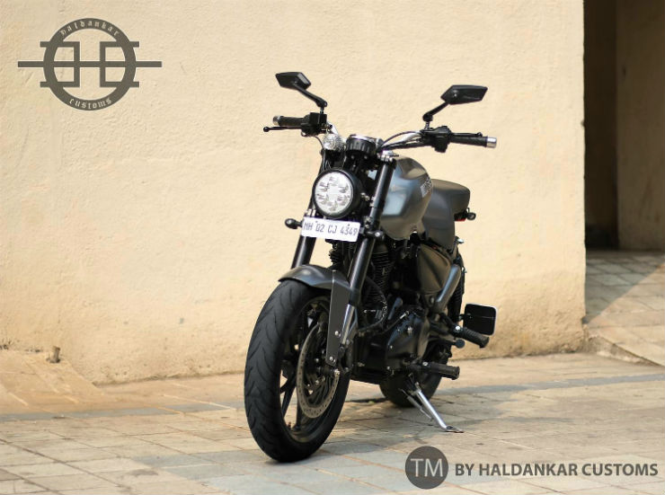 Royal Enfield Thunderbird gets a SPORTY custom job to become a