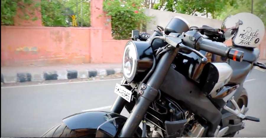 This modified Bajaj Pulsar NS200 wants to be a mini Yamaha V-Max [Video]