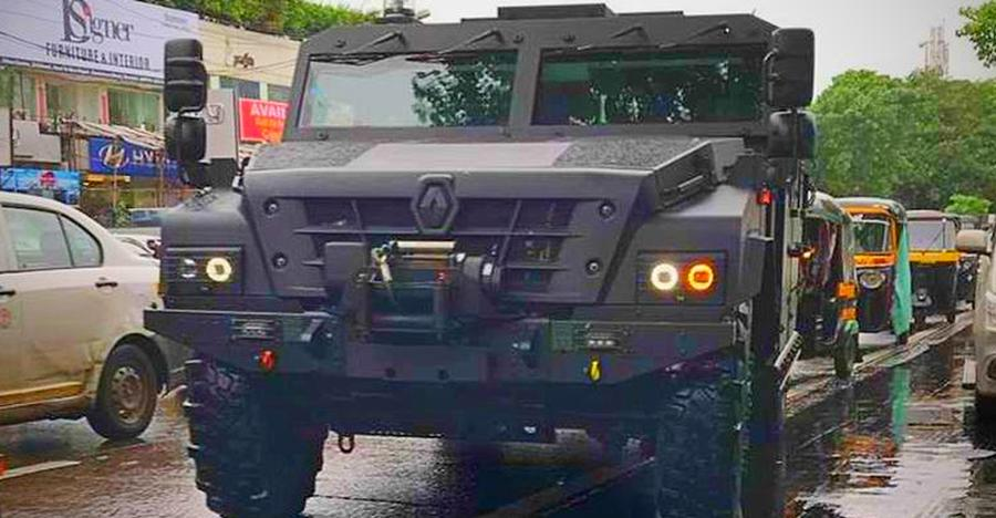 MONSTROUS Renault Sherpa makes every other vehicle look tiny