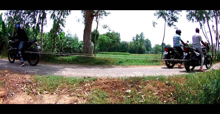 Bajaj RS200 vs Hero Splendor + Honda Shine in a tug of war: Who wins? [Video]