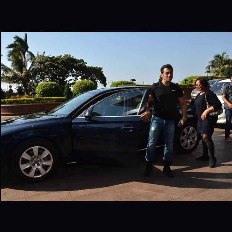 Most EXPENSIVE Cars Of The Bollywood Megastars: Amitabh