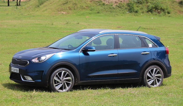 As Expected, The Niro Makes Use Of Both The Gasoline Engine And An Electric  Motor To Drive The Wheels. In Normal Circumstances, If The Batteries Have  Enough ...