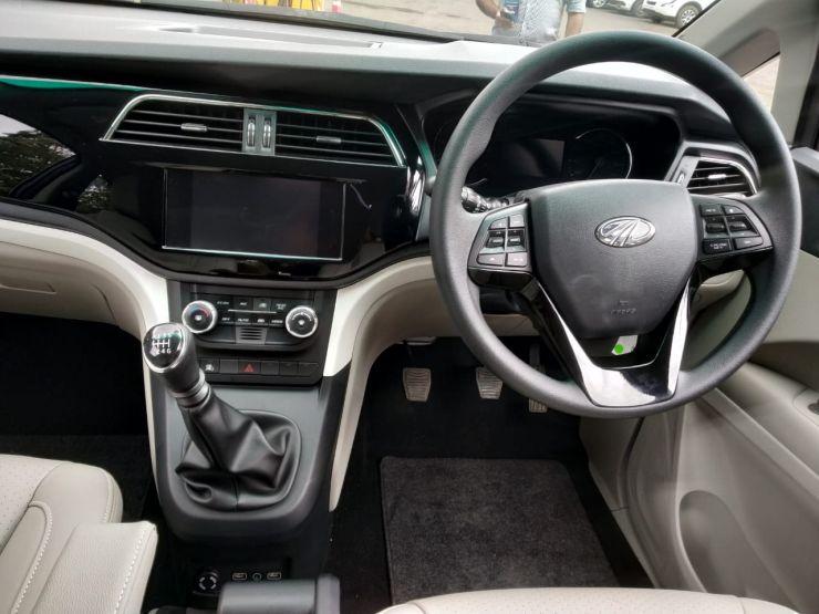 Marazzo Steering Wheel And Infotainment