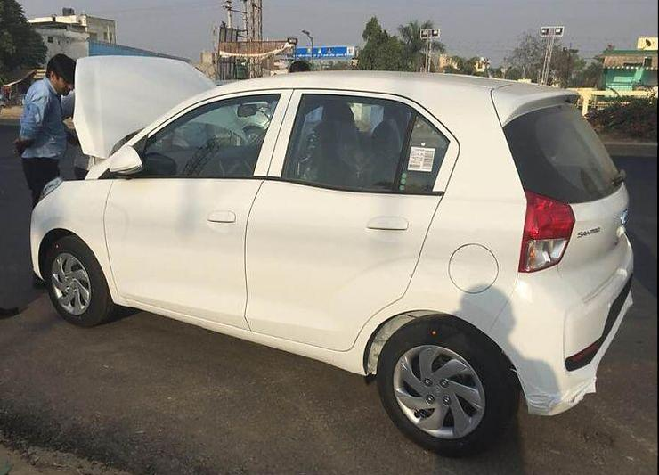 New Hyundai Santro New Pictures Show What The Car Looks Like On The