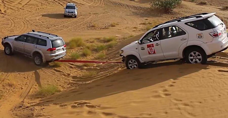 Toyota Fortuner & new Ford Endeavour get STUCK: Pajero & old Endeavour to the rescue!