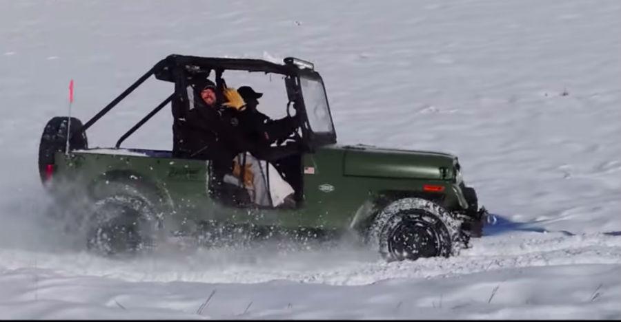 Watch the Mahindra Roxor having BIG fun in the snow [Video]