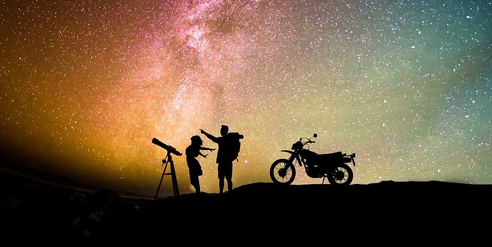 5 gifts for Motorcycle Enthusiasts this New year
