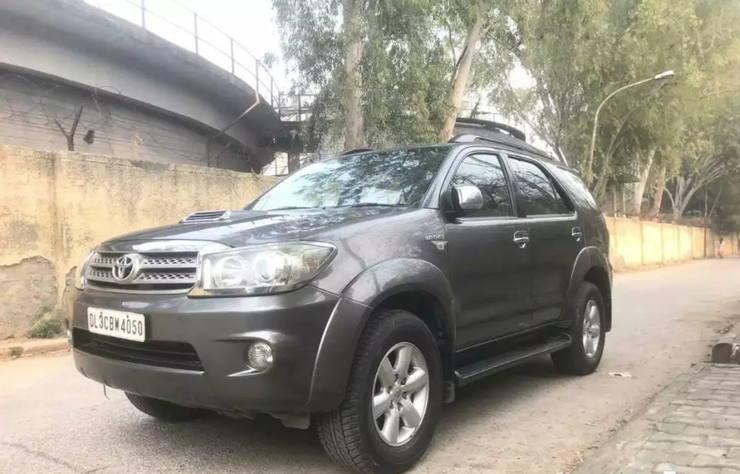5 used Toyota Fortuner SUVs CHEAPER than the Maruti Brezza