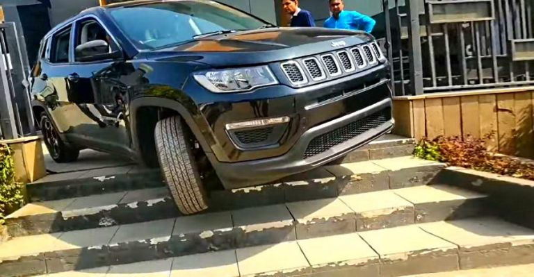 Jeep Compass Stairs Featured