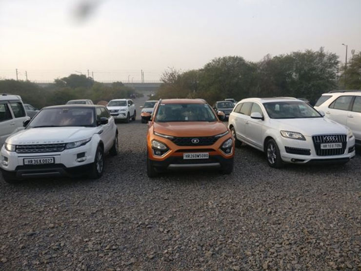 Tata Harrier Range Rover Evoque Audi Q7 Which Can Catch More Attention