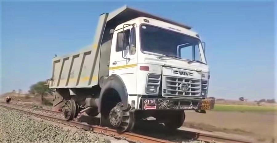 Hopper Truck
