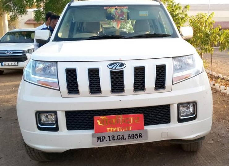 Mahindra Tuv300