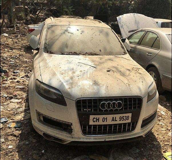 Audi Q7 Abandoned