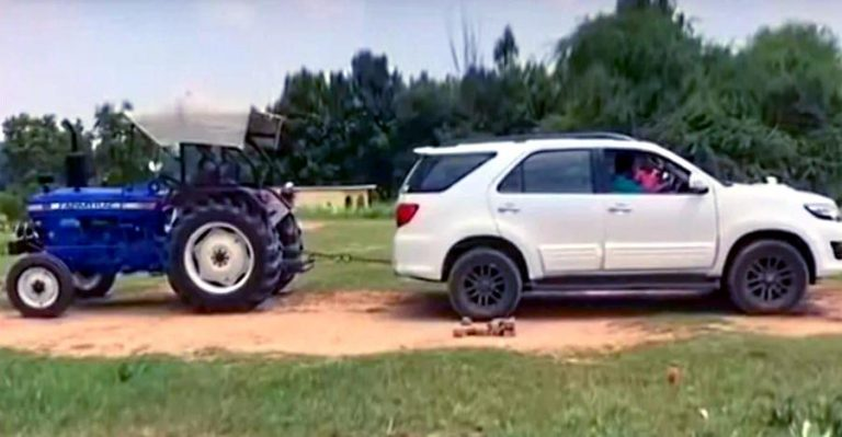 Fortuner Vs Tractor Featured