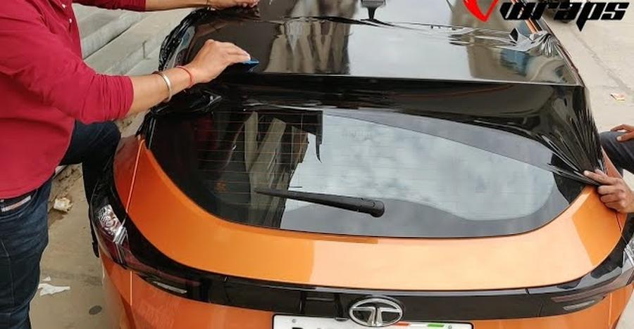 Check Out The Tata Harrier S Roof Getting A Black Contrast Wrap For The Range Rover Evoque Look