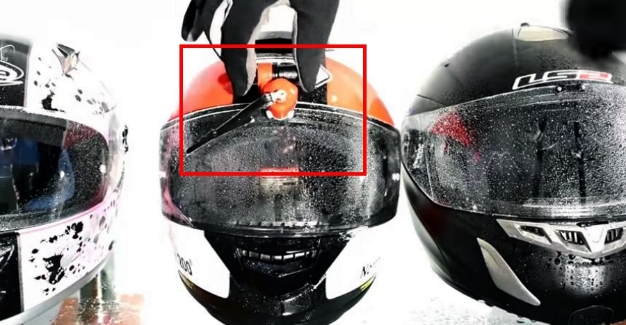 This wiper system will fit all motorcycle crash helmets: It's called Wipey [Video]