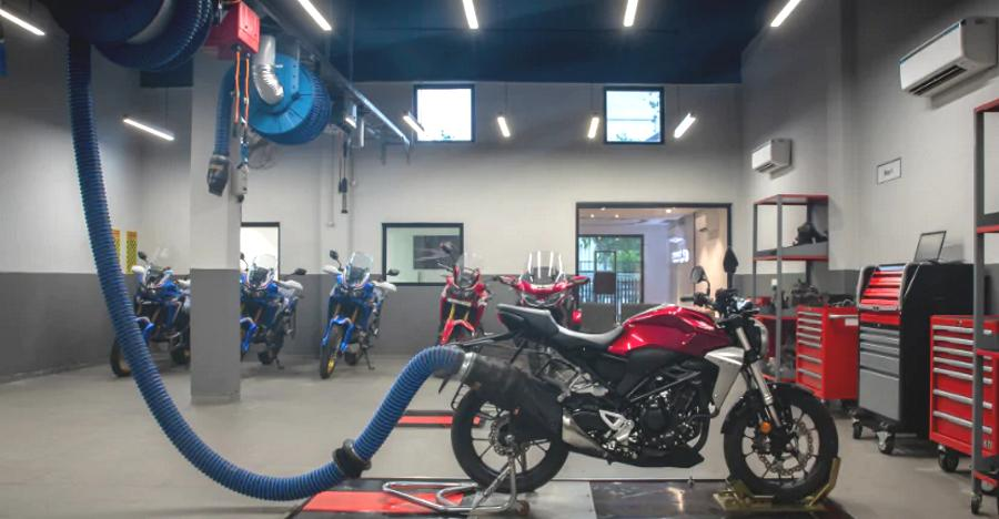 Honda BigWing showrooms finally in India, & they're very special!