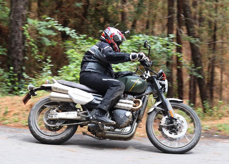 11triumph Scrambler 1200 India