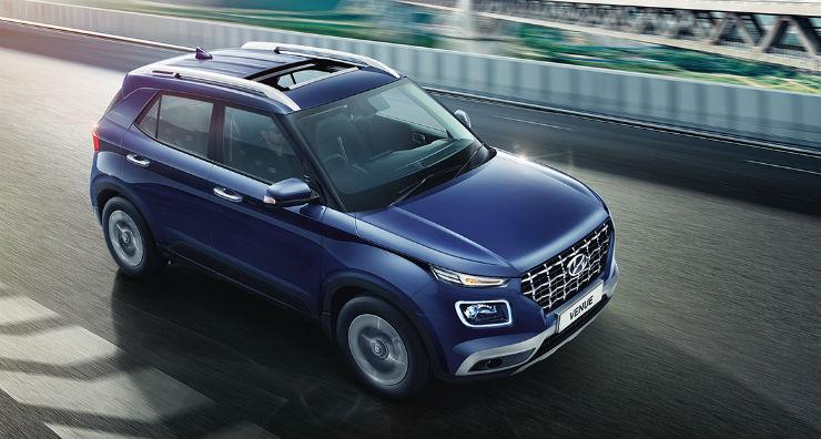 Hyundai Venue Suv Exterior Mid Pc 1120x600 1 Blue Venue Front Shot