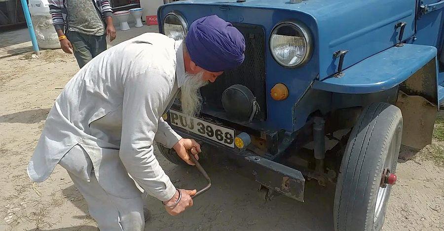Mahindra Jeep Hand Crank Featured