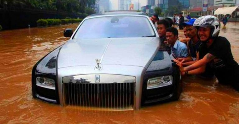 Rolls Royce Flood Featured
