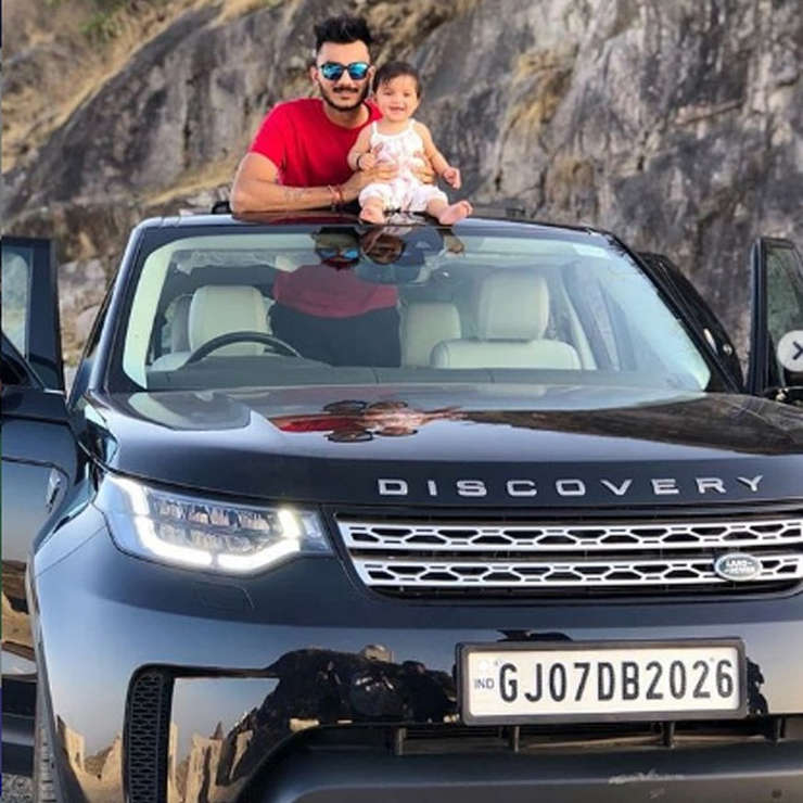 Axar Patel Land Rover Discovery Sports