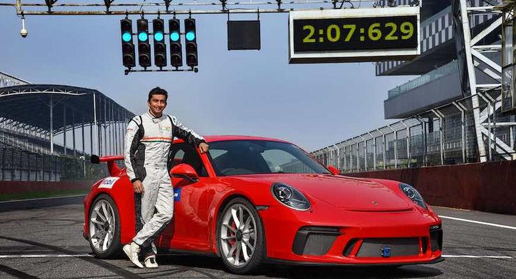 Narain Karthikeyan Porsche 911