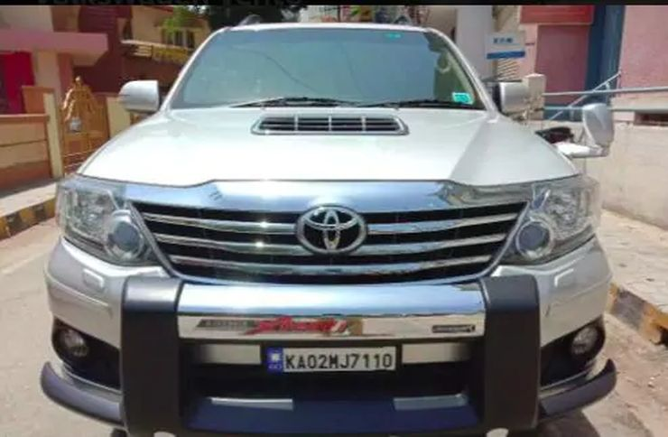 Toyota Fortuner Used 4