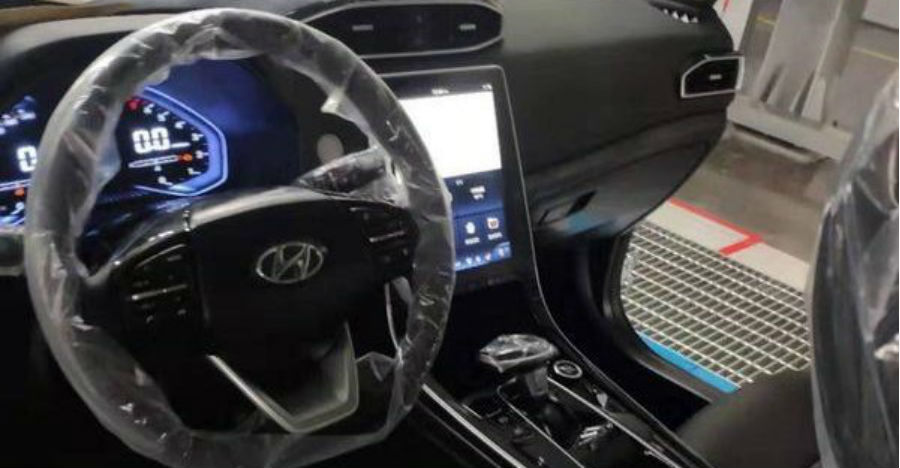 2020 Hyundai Creta gets a Tesla-style massive touchscreen: Spied before official launch