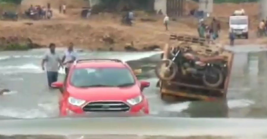 Ford EcoSport crosses an overflowing river like a boss: Here's why it could [Video]