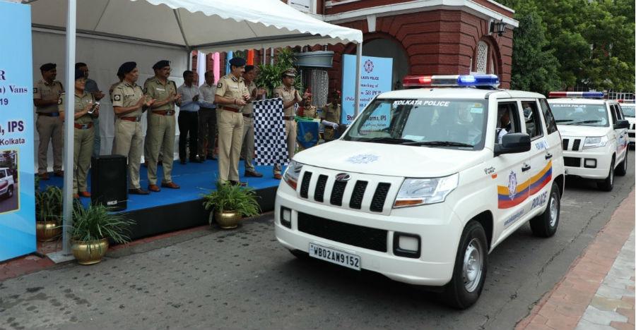 Kolkata Police gets brand new Mahindra TUV300 compact SUVs as official vehicles