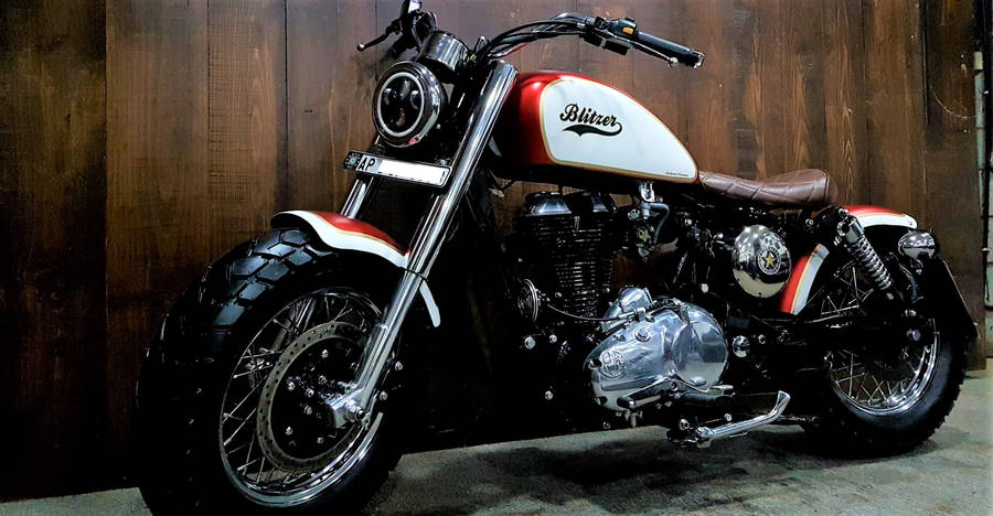 Meet the Blitzer, a Royal Enfield Classic 350 modified into a CLASSY Bobber