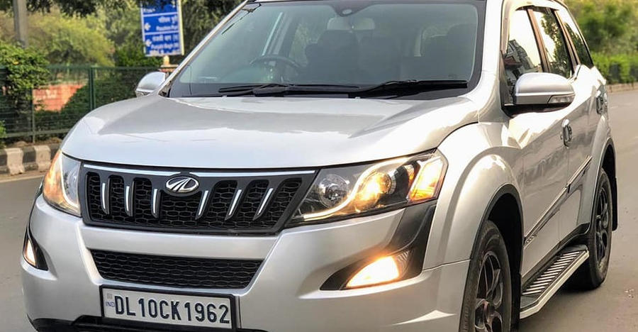 3 sparingly-used, 7 seat Mahindra XUV500 SUVs for sale at under Rs. 10 lakh
