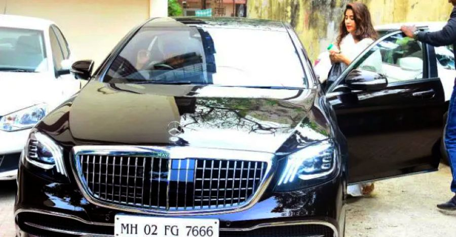 Janhvi Kapoor's latest ride is a Mercedes-Maybach luxury saloon with mum Sridevi's numberplate