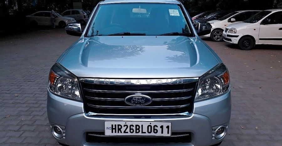 3 well kept, used Ford Endeavour SUVs available for under Rs. 5 lakh