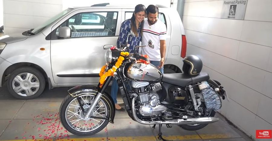 Wife surprises husband with a Jawa Classic bike gift [Video]