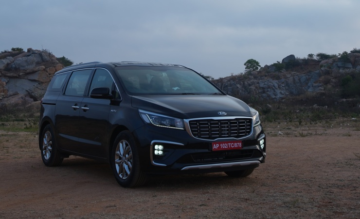 Kia Carnival Luxury MPV in Cartoq's First Drive Review