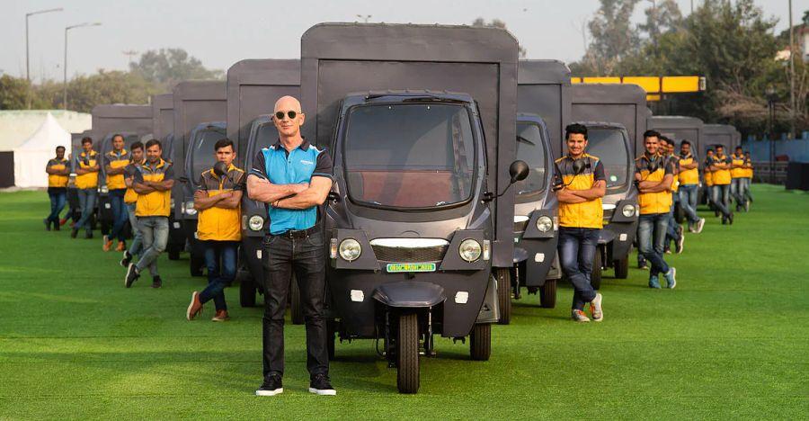 Amazon CEO Jeff Bezos drives an e-rickshaw: Amazon electric autorickshaws launching soon in India