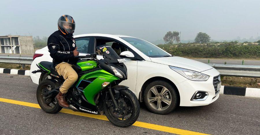 Hyundai Verna 1.6 Diesel vs Kawasaki Ninja 650 in a race to the top end [video]