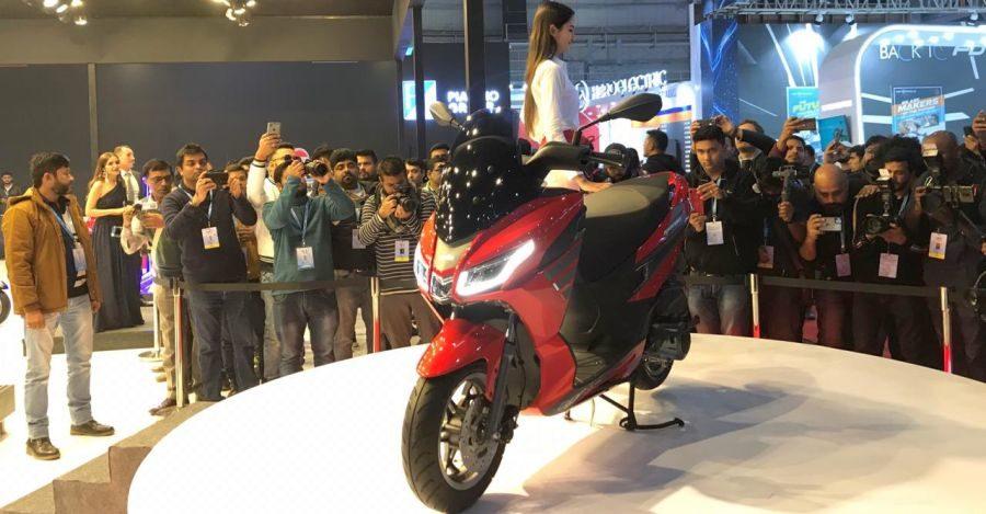 Aprilia SXR 160 maxi-scooter unveiled at the 2020 Auto Expo