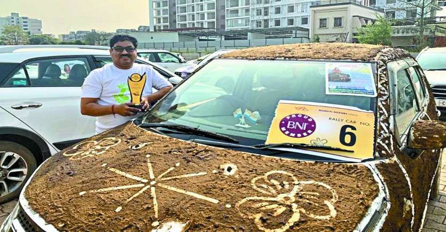 Maruti Ignis covered with cow dung wins first prize in a car competition