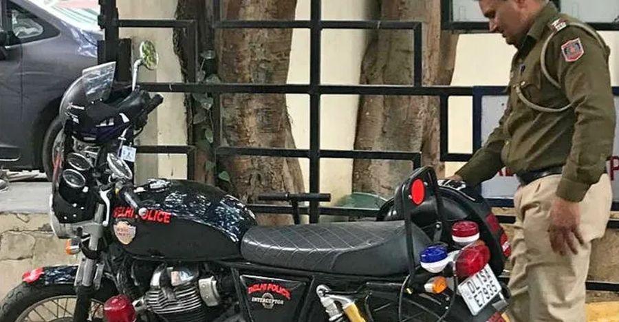 Delhi Police Royal Enfield Interceptor Featured