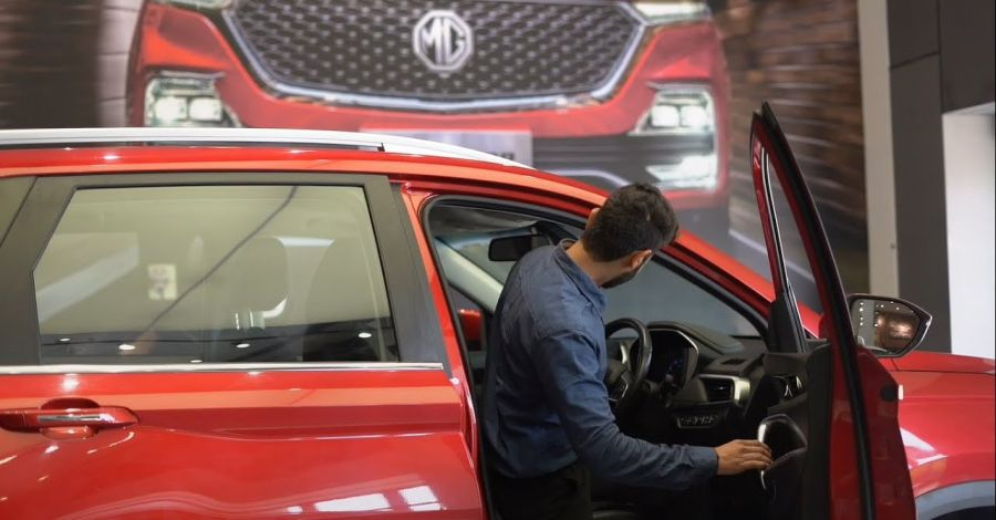 Corona Virus: Watch how the MG Hector is sanitized before delivery [Video]